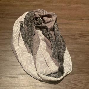 Black and cheetah print infinity scarf set